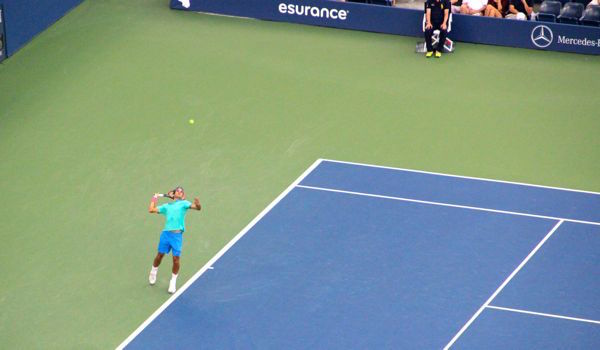 Roger Federer serve