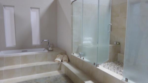 juliet shower