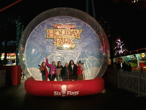 six-flags-snow-globe