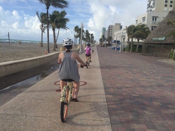 bike riding hollywood beach